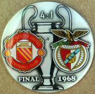 Pin Champions League UEFA Final 1968 Manchester United Vs Benfica Lisboa - Fútbol