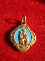 Mini-Médaille Religieuse Ancienne/ Vierge à L'Enfant/ Cathédrale /à  Identifier/Milan?  / Italy/ Mi-XXéme    CAN827 - Religione & Esoterismo
