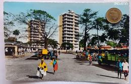 Conakry, Guinea, Hochhäuser, Menschen,LKW,1959 - Guinea