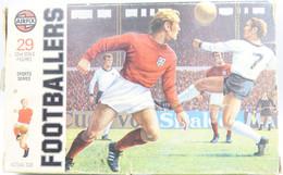 Airfix FOOTBALLERS Soccer, Scale 1/32, Vintage 23pc - Figuren