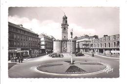 Vire, Place Du 6 Juin Et Porte Horloge, ( Batiment En Construction ) - Vire