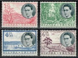 Ruanda-Urundi - 1955 - Y&T N° 196*¨à 199*, Neufs Avec Traces De Charnières - Ruanda-Urundi