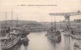 BREST Cuirasse En Armement Sous La Gare Electrique 5(scan Recto-verso) MA1248 - Brest