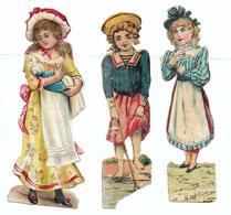 924 - LOT 3 DECOUPIS FEMMES AVEC BEBE GOLF THE . HAUTEUR 11 CM . SCANS RECTO VERSO - Victorian Die-cuts