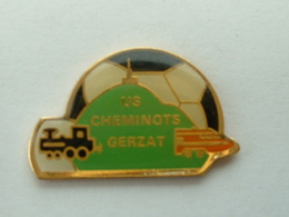 PIN'S TGV - FOOTBALL - U.S CHEMINOTS GERZAT - 63 PUY DE DOME - TGV