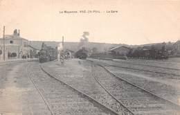 PRE EN PAIL (53) - La Gare - Train En Gare - Pre En Pail