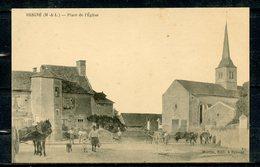 BRIGNE ( MAINE ET LOIRE ) - PLACE DE L'EGLISE - BELLE  ANIMATION ( ATTELAGES,BOVINS,PERSONNAGES).VISUEL PAS COURANT. - France