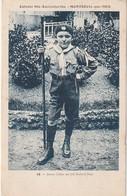 Rare Cpa Montreuil Sur Mer Colonie Ste Austreberthe  Scout Jeune Colon Avec Foulard Bleu - Montreuil