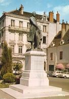 71. CPM. Saône-et-Loire. Chalon-sur-Saône. Statue De Nicéphore-Niepce (autos, 4L, Etc..) - Chalon Sur Saone