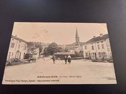 CPA (88) Raon Aux Bois.La Place.Rue De L'église. (I.239) - Frankreich