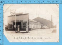 Carte Photo - Tourville P. Quebec, Lord Et Freres - Gaz, Station Essence, Papier EKC 1939-1950 - Quebec