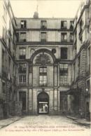 PARIS Cour De L' Hotel Chenizot (1730) Archeveché (1830) Le Corps Sanglant De Mge Affre Y Fut Apporté (1948)    RV - Arrondissement: 04