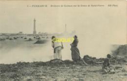 29 Penmarch, Brûleurs De Goémon Sur La Grève De St Pierre, Visuel Pas Très Courant - Penmarch