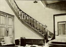 """CP Du Château-Ferme De Falaën """" Hall D""""entrée Avec Escalier Sculpté """" - Onhaye"""