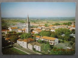 CP 17  Vue Générale ARCHIAC   La Vieille école Et L'église  St André  Vers 1970 - Other Municipalities