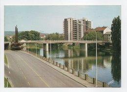 - CPM SARREGUEMINES (57) - La Voie Sur Berge - Le Nouveau Pont Et L'Immeuble 1986 - Edition Pierron - - Sarreguemines