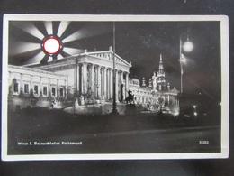 Postkarte Propaganda Wien Mit Aufgehende Hakenkreuz-Sonne (etwas Beschädigt) - Germany