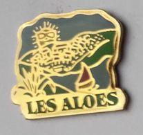 Z612 Pin's Lagrange Vacances LES ALOÈS Cerbère Pyrénées-Orientales LAC Planche Voile Achat Immédiat - Villes