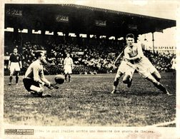 LE GOAL ITALIEN ARRÊTÉ UNE DESCENT DES AVANTS DE CHELSEA  PHOTO PARIS SOIR 20*15CM - Sports