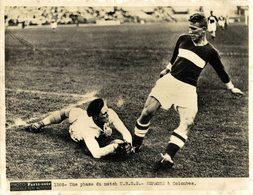 UNE PHASE DU MATCH URSS  ESPAGNE SPAIN A COLOMBES RUSSIE ESPAÑA   20*15CM PHOTO PARIS SOIR - Deportes