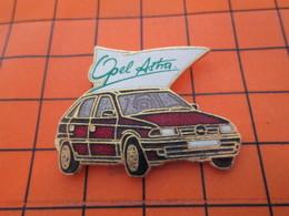 320 Pin's Pins / Belle Qualité Et Rare / THEME AUTOMOBILES : OPEL ASTRA EN LEGER RELIEF Par DEMONS & MERVEILLES - Opel