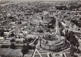 62 .n° 21723 . Boulogne Sur Mer . Le Chateau Et La Cathedrale . Vue Generale Aerienne . Cpsm.10.5 X 15cm . - Boulogne Sur Mer