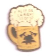 PO04 Pin's Pompiers Pompier Fête De La Bière Chope Beer Aillevillers Haute Saône Achat Immédiat - Brandweerman