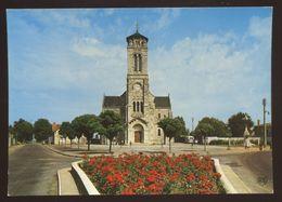 Les Lucs Sur Boulogne (85) : La Place Mercier De Grammont, L'église Et Le Calvaire - Les Lucs Sur Boulogne