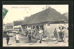 CPA Montigny, Lavoir Et Abreuvoir - Non Classés