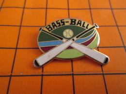 """512f Pin's Pins / Belle Qualité Et Rare / THEME SPORTS : Encore Un Illettré LE """"BASS-BALL"""" Se Joue Avec Balle Et Battes - Baseball"""