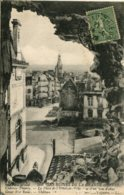 CPA - CHATEAU-THIERRY (G.G. 14/18) - PLACE DE L'HOTEL DE VILLE VUE D'UN TROU D'OBUS - Chateau Thierry