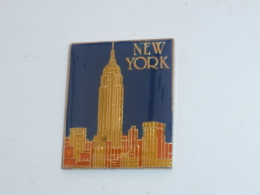Pin's NEW YORK, EMPIRE STATE BUILDING A - Villes