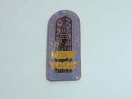 Pin's NEW YORK, EMPIRE STATE BUILDING B - Villes