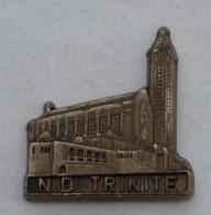 Pin's NOTRE DAME DE LA TRINITE, Signe MARTINEAU - Villes