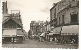 CPSM, D.92, N°953, Bois-Colombes , La Rue Bourguignons à Hauteur De La Gare De Bois Colombes ,Ed. A. Leconte - Autres Communes