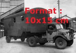 Reproduction D'une Photographie Ancienned'un Camion Bedford OXCavec Remorque Radio En 1940 - Reproductions