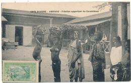 COTE D'IVOIRE, ABOISSO - Fillettes Apportant Du Caoutchouc - Côte-d'Ivoire