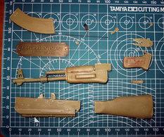 AK - 47 Kalashnikov RESINA RESIN  VERLINDEN 1:4 - Scale Models