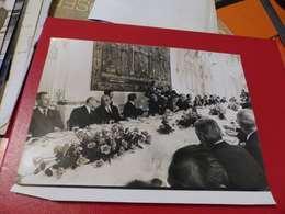 P-78 , Photo De Presse , Déjeuner à Matignon, Des Cosmonautes AMSTRONG, ALDRIN , Octobre 1969 - Personalidades Famosas
