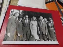 P-85 , Photo De Presse ,Matignon, Les Astronautes, 1969, CHABAN DELMAS, AMSTRONG, ALDRIN, COLLINS - Personalidades Famosas