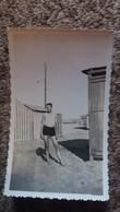 PHOTO JEUNE HOMME ADO MAILLOT DE BAIN RABAT OCT 1933 PIERROT   FORMAT 11  PAR 6.5 CM - Personnes Anonymes