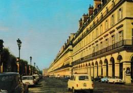 PARIS RUE DE RIVOLI ,VOITURES ANNEES 60 ,COULEUR REF 62790 - Arrondissement: 04