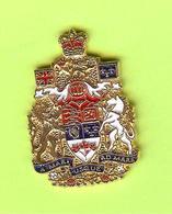 Pin's A Mari Usque Ad Mare (Devise Nationale Du Canada)  - 10MM18 - Villes