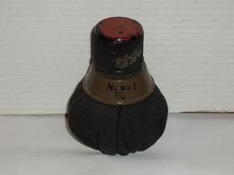 Grenade Anglaise N°82 Gammon Copie Sauf Le Bouchon D'origine Ww2 - Armes Neutralisées