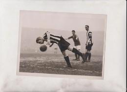 FOOTBALL  20*15CM Fonds Victor FORBIN 1864-1947 - Deportes