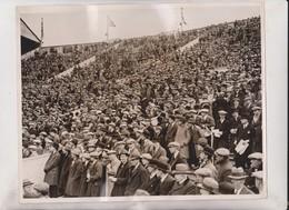 FOOTBALL Cup Final At WEMBLEY FA CUP FINAL HUDDERSFIELD V BLACKBURN ROVERS STADIUM 25*20CM Fonds Victor FORBIN 1864-1947 - Sports