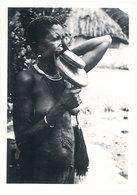 Photo Afrique 12,8 X 17,8 Cms, AEF, Tchad, Fort Archambault, Femmes à Plateaux ( Tribu Race Banda ) - Afrique