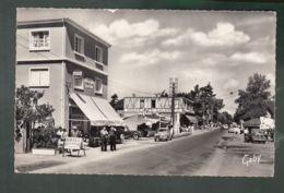 CP (50) Jullouville - Route De Granville - Other Municipalities