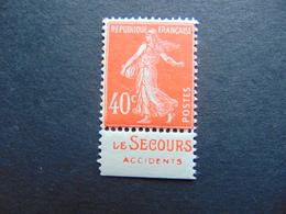 Superbe N°. 194 Avec Pub Le Secours - Publicités