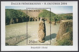 2004Iceland1074/B36Bruarhloth - Stamp Day6,00 € - 1944-... Republique